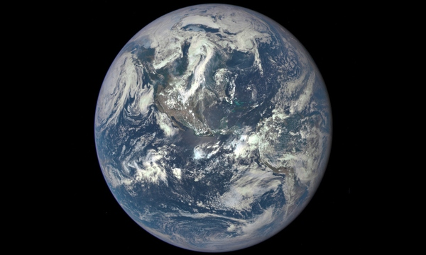 Planet Earth from outerspace_19517690_ver1.0_640_360_1522059363787.jpg-794298030.jpg