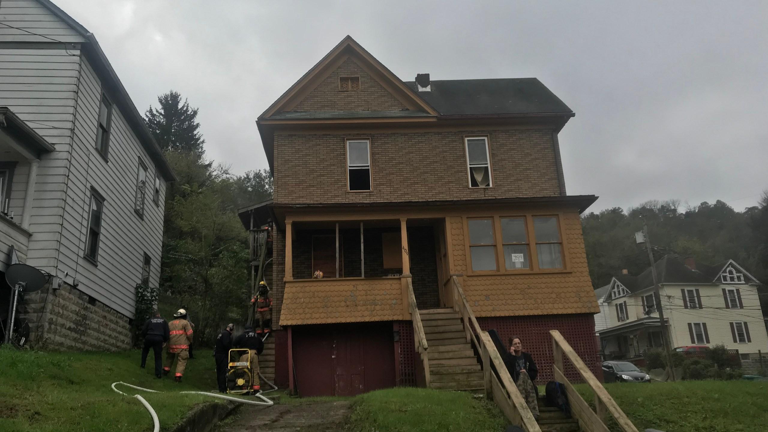 apartment fire_1539704990438.jpg.jpg