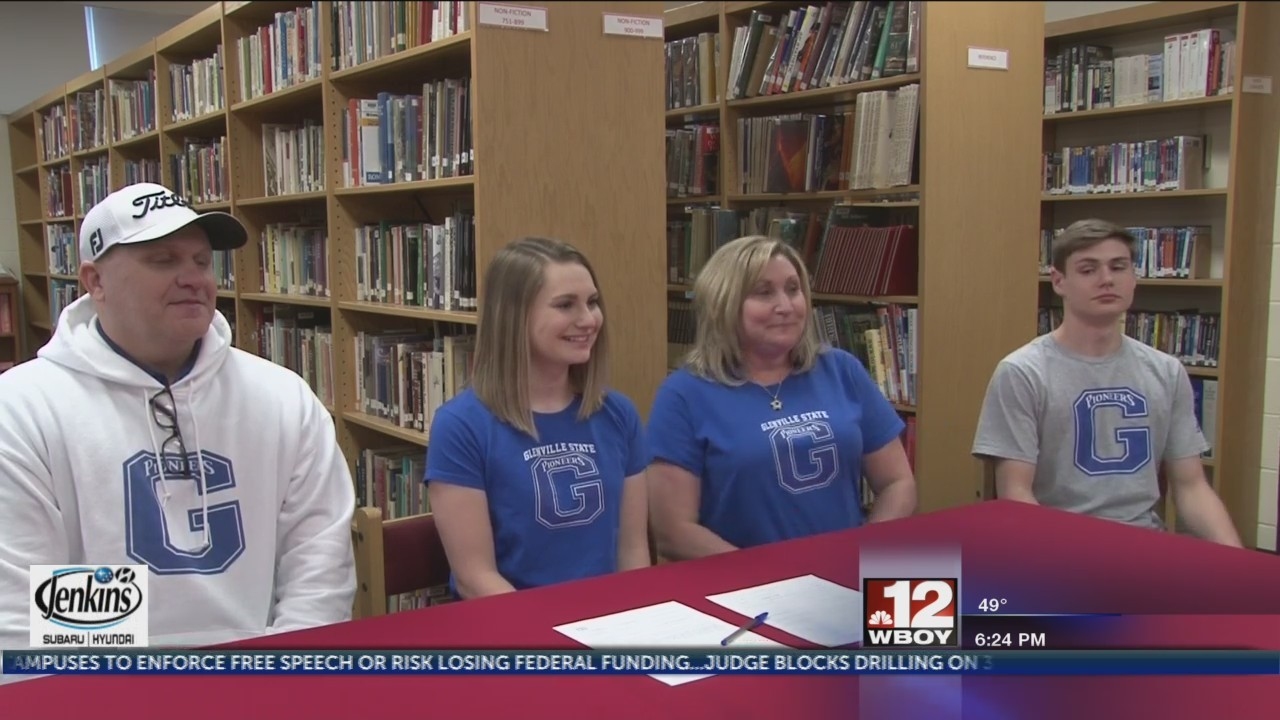 Bridgeport's Jordan Cole signs with Glenville State