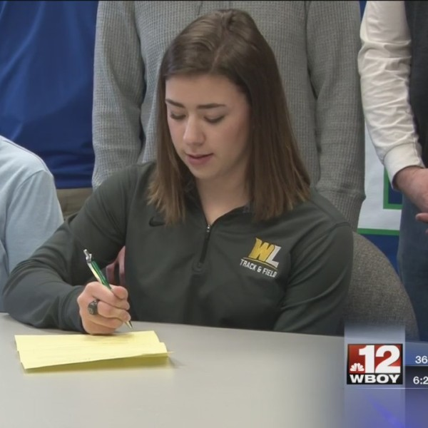 RCB's Simons signs with West Liberty