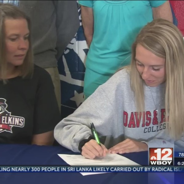 Two Liberty athletes commit to Davis & Elkins