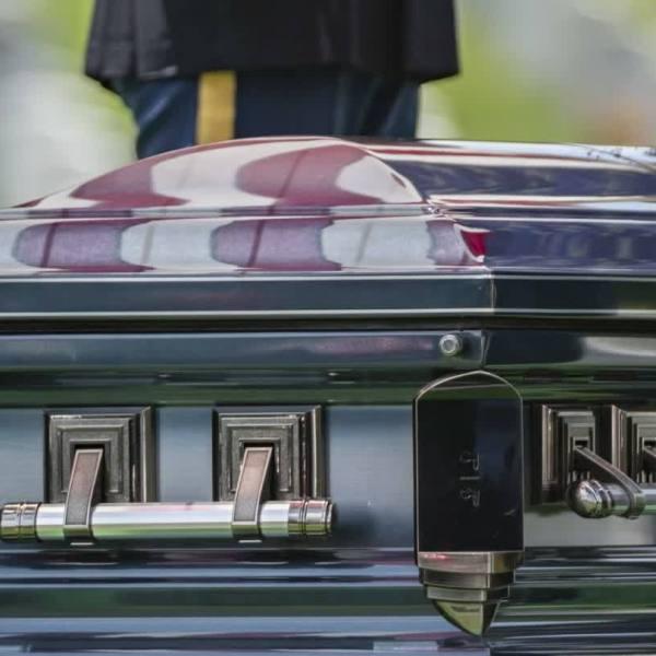 D_Day_veteran_interred_at_Arlington_Nati_2_20190606231521