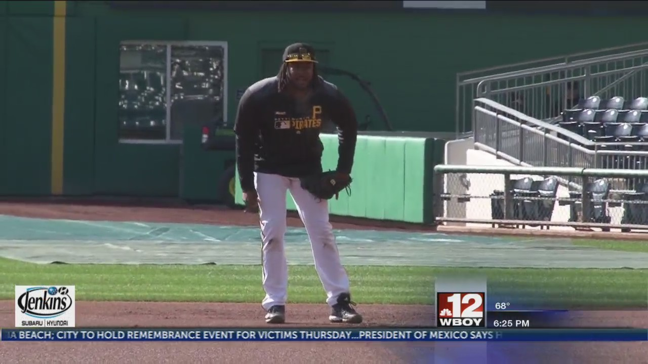 Pirates' Josh Bell named NL Player of the Month