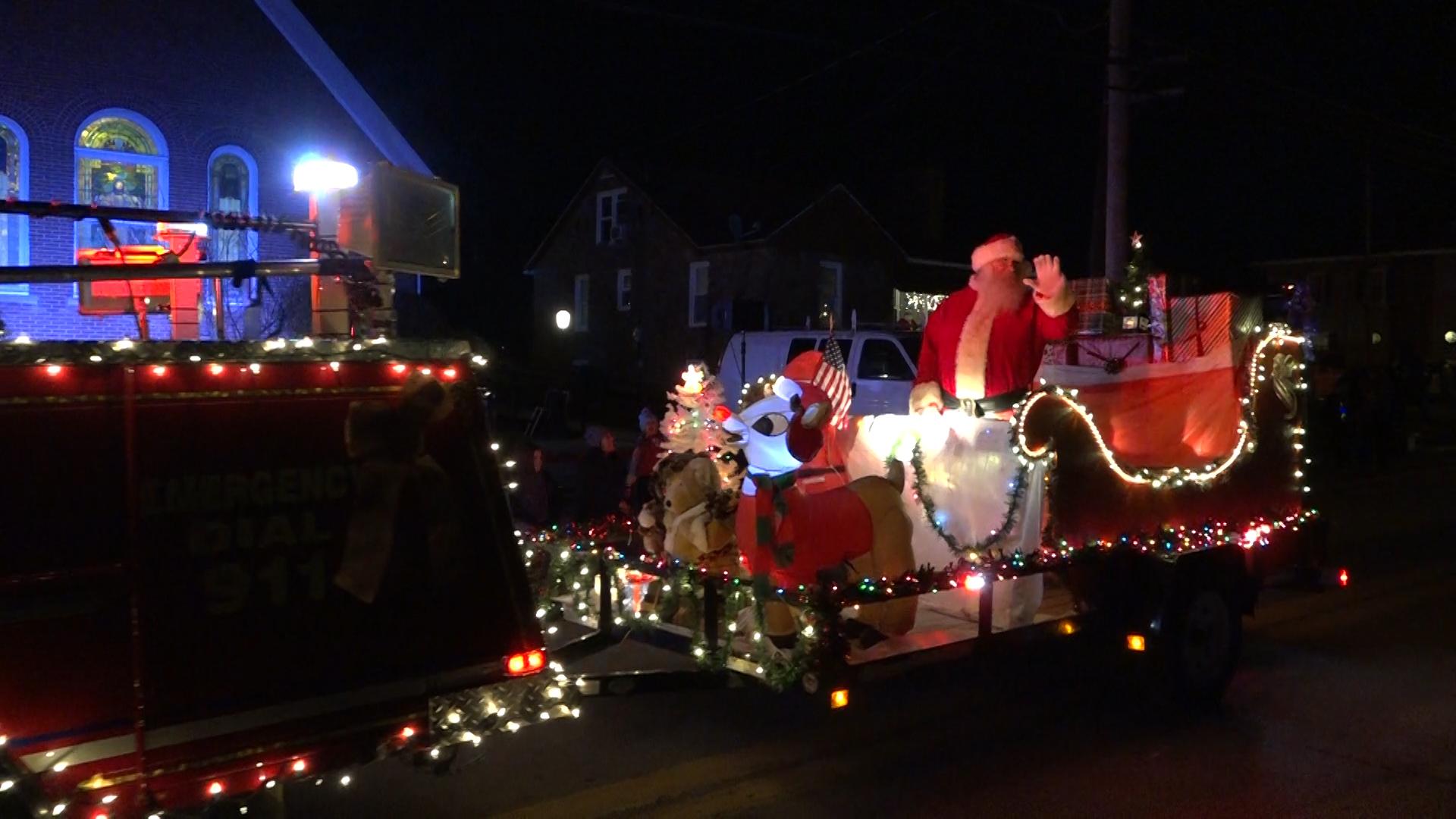Barboursville Wv Christmas Parade 2021 Barrackville Hosts Annual Christmas Parade Wboy Com