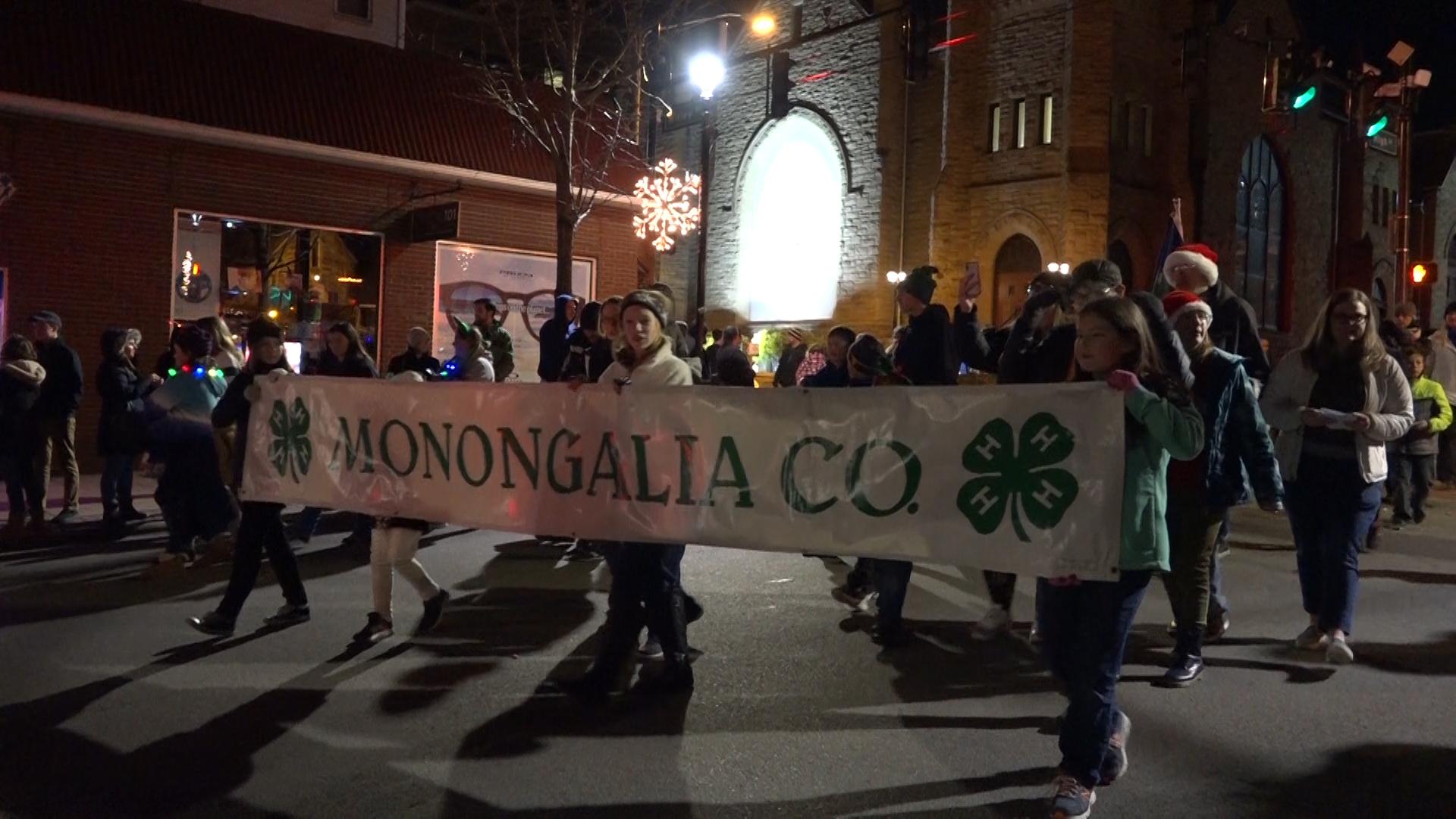 Morgantown Christmas Parade 2020 Morgantown hosts its annual Christmas parade | WBOY.com