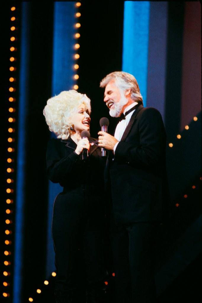 Singer Kenny Rogers dead at 81 | WBOY.com